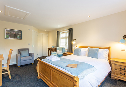 Royal Oak Hotel Bedroom